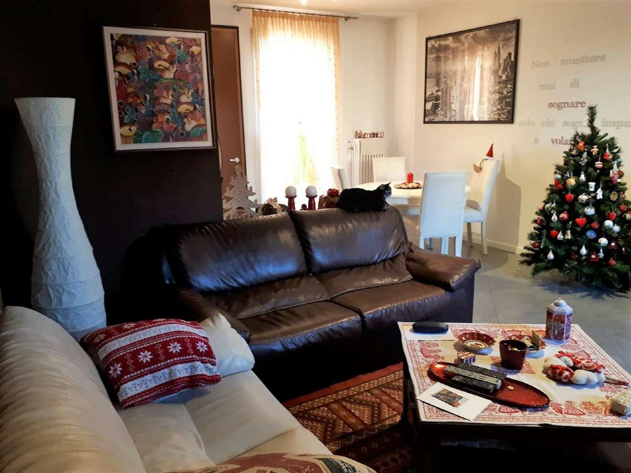 Appartamento in ottime condizioni in vendita Rif. 9437170