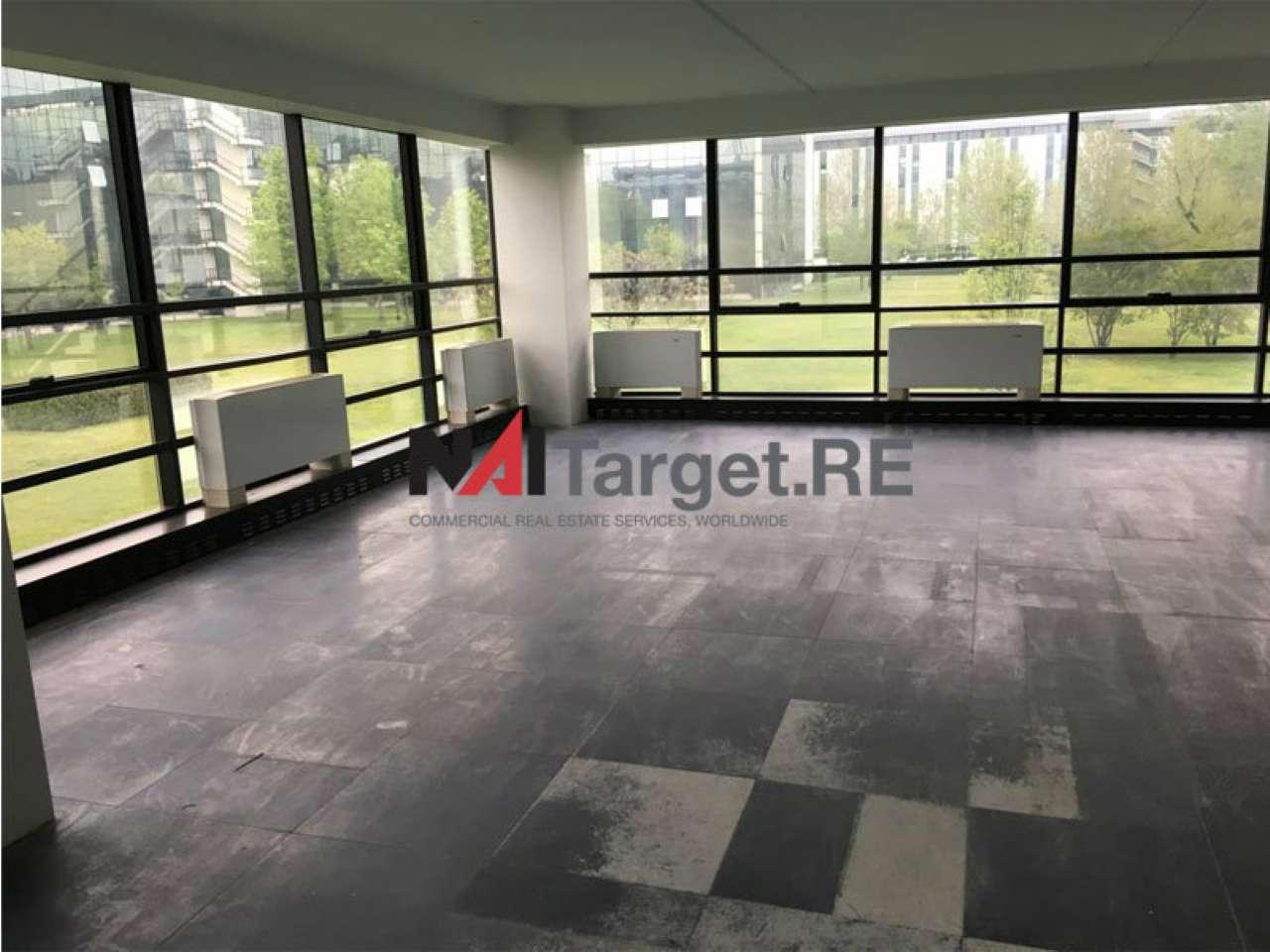 Ufficio / Studio in affitto a Assago, 16 locali, prezzo € 11.062 | PortaleAgenzieImmobiliari.it