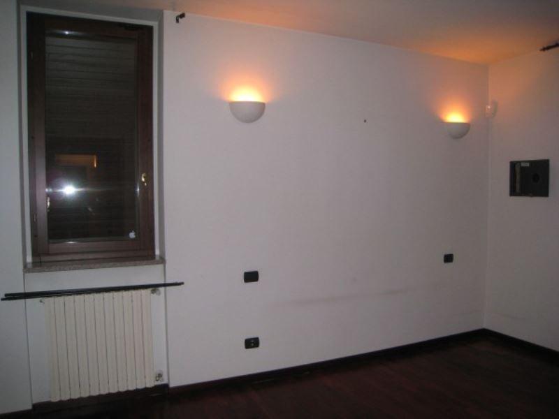 Appartamento in affitto a Peschiera Borromeo, 2 locali, prezzo € 720   CambioCasa.it