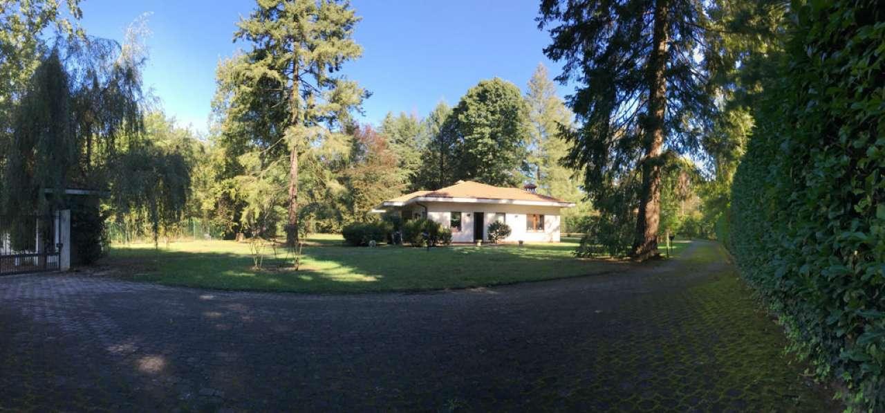 Villa in vendita a Guanzate, 6 locali, prezzo € 850.000 | CambioCasa.it