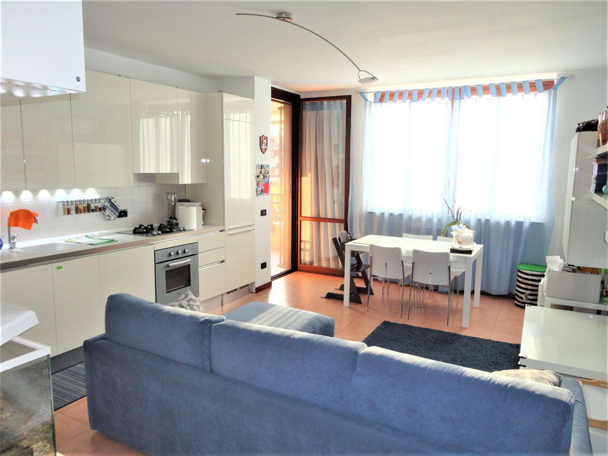 Appartamento in vendita a Peschiera Borromeo, 2 locali, prezzo € 155.000 | CambioCasa.it