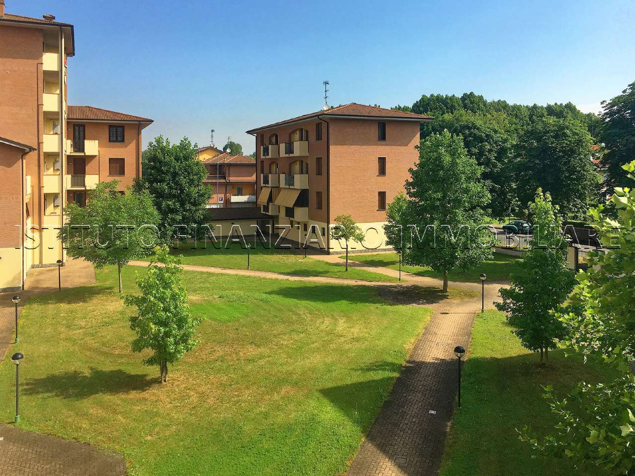 Appartamento in Vendita a Lacchiarella