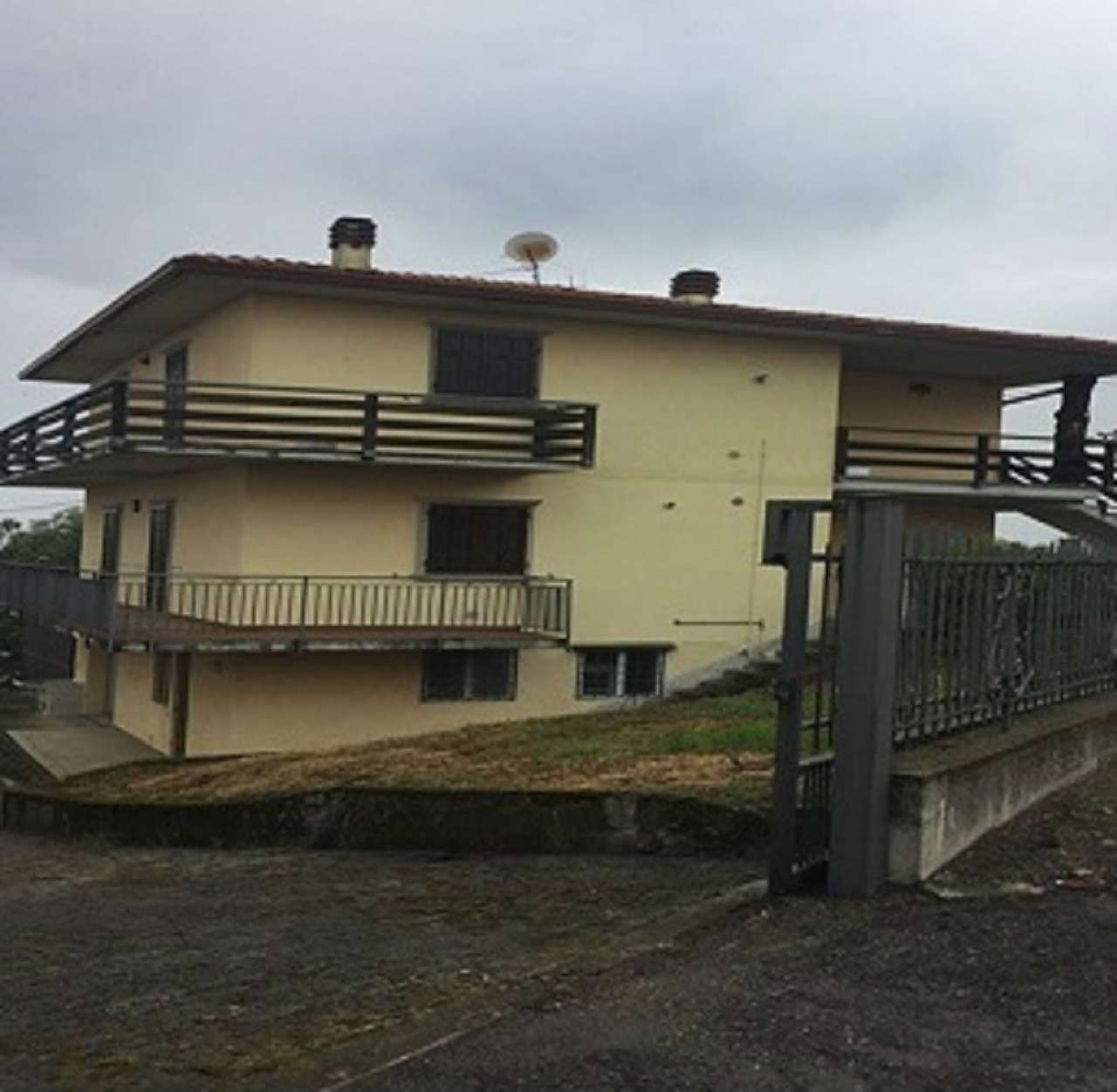 Villa Tri-Quadrifamiliare in vendita a Pian Camuno, 10 locali, prezzo € 210.000 | PortaleAgenzieImmobiliari.it