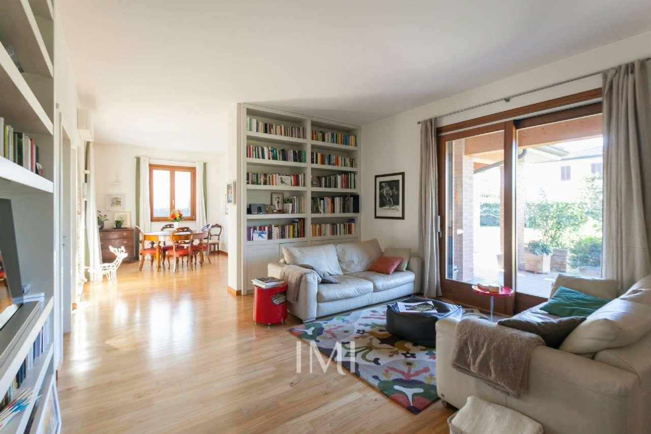 Villa in ottime condizioni in vendita Rif. 8949192