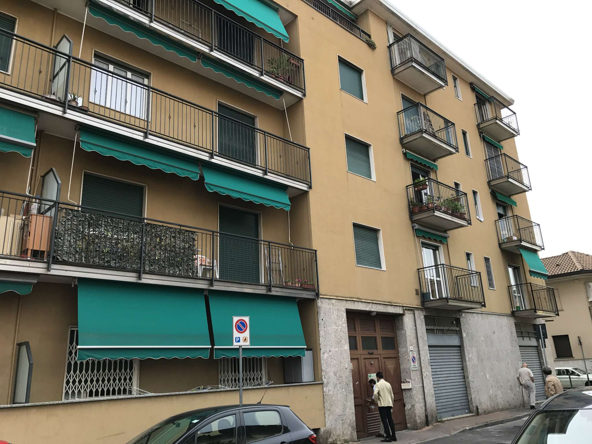 Appartamenti centro in vendita a varedo - Piscina di varedo ...