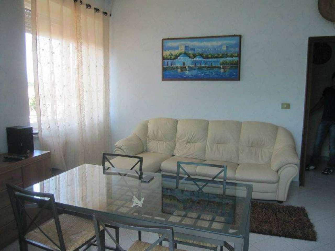 Appartamento in buone condizioni in affitto Rif. 7766921