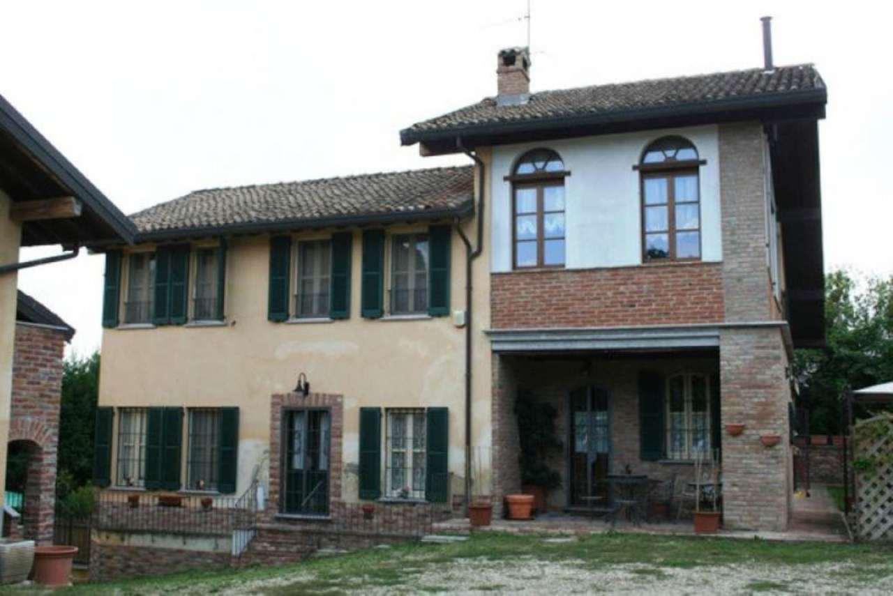 Villa in vendita a Oliva Gessi, 6 locali, Trattative riservate | CambioCasa.it