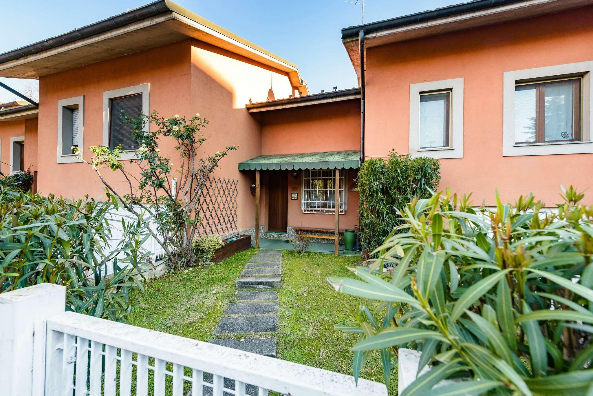 Villa in ottime condizioni in vendita Rif. 9258777