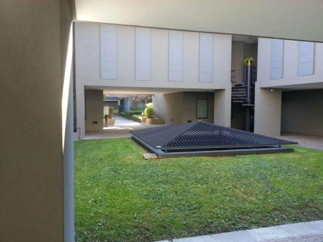Ufficio / Studio in vendita a Mariano Comense, 7 locali, Trattative riservate | CambioCasa.it