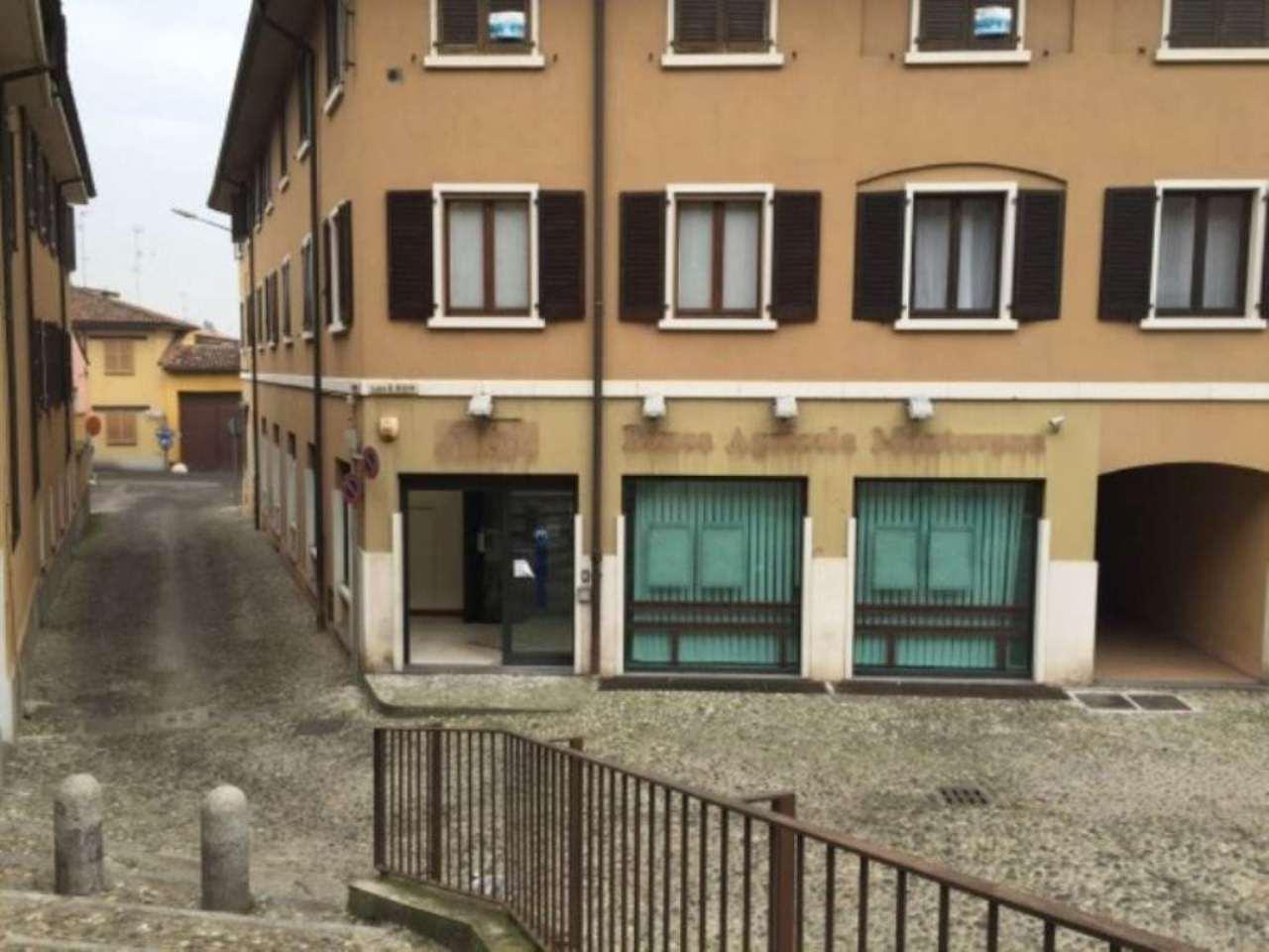 Negozio / Locale in affitto a Sant'Angelo Lodigiano, 9999 locali, prezzo € 1.700   CambioCasa.it