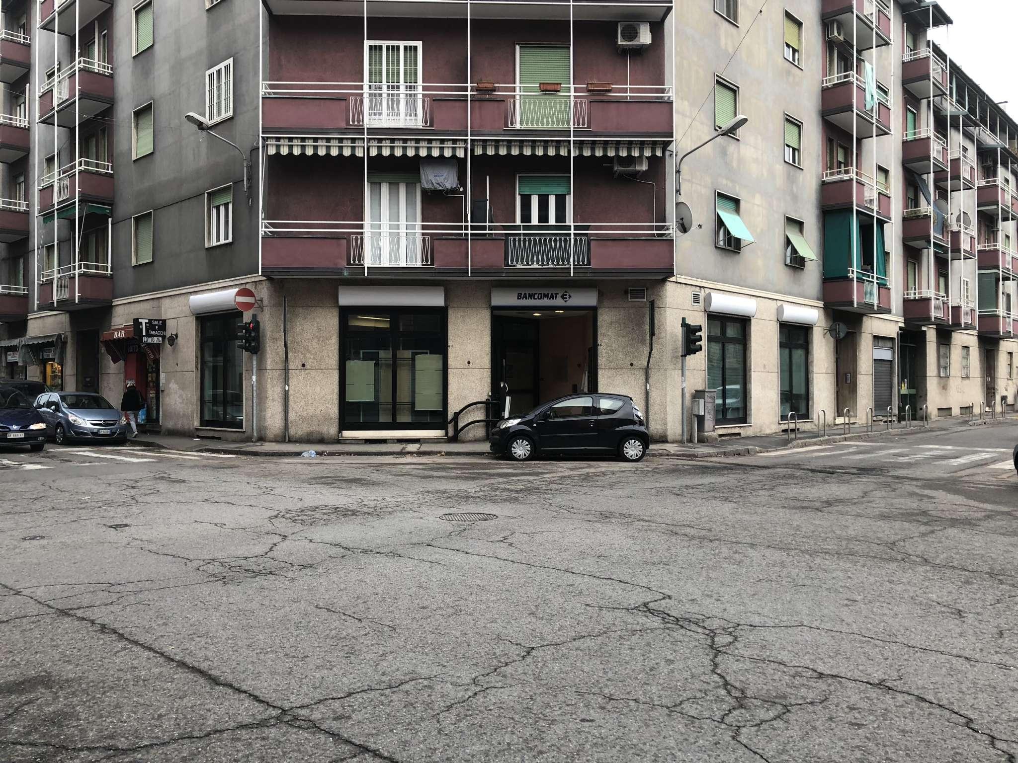 Negozio / Locale in affitto a Corsico, 9999 locali, prezzo € 2.900   CambioCasa.it