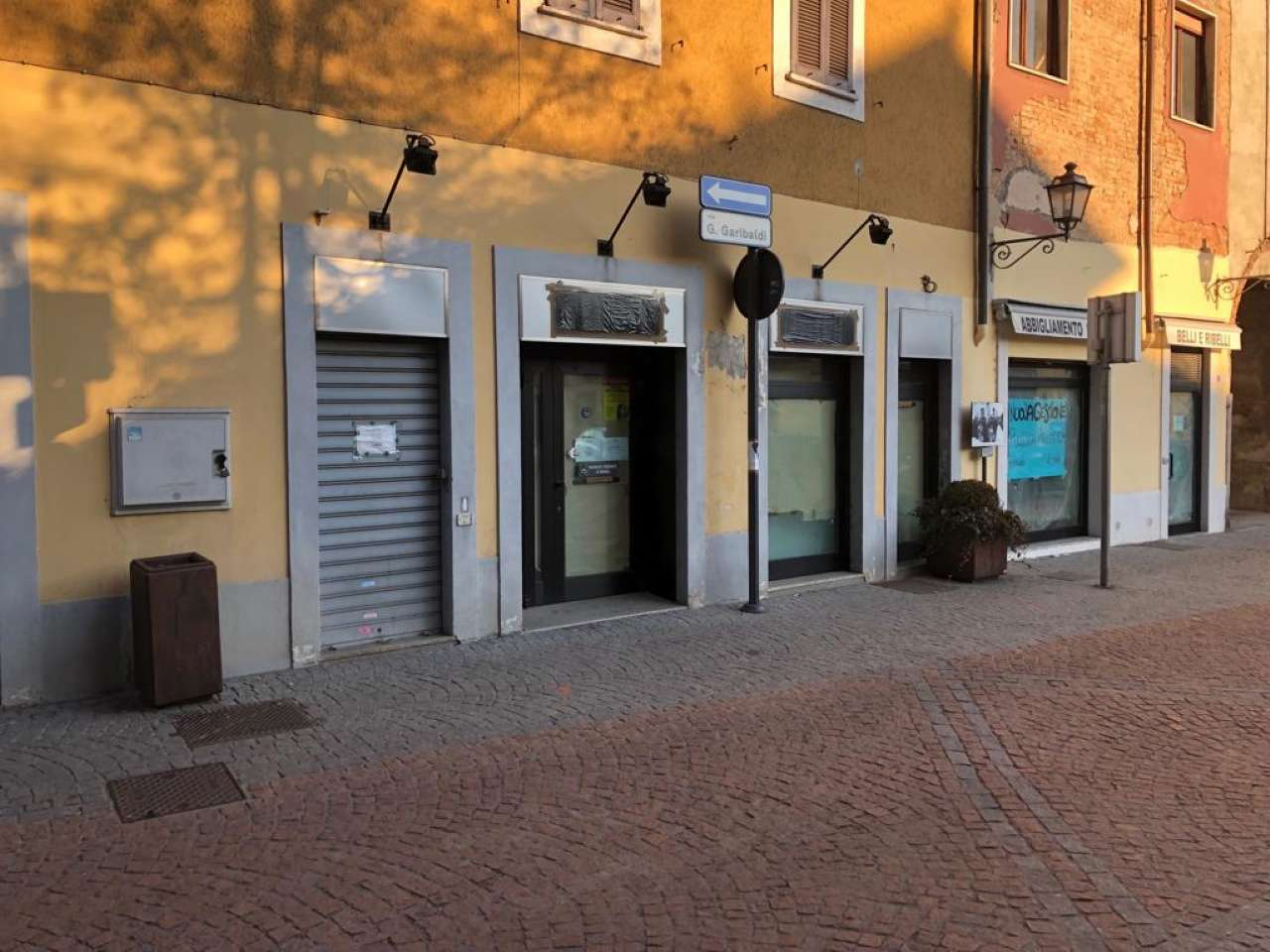 Negozio / Locale in affitto a Cornaredo, 9999 locali, prezzo € 1.600 | PortaleAgenzieImmobiliari.it