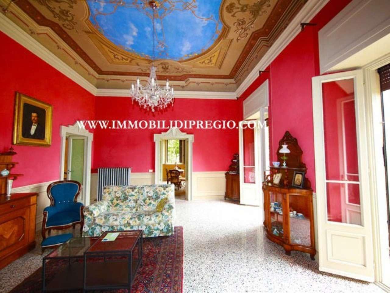 Villa in vendita a Cernobbio, 11 locali, Trattative riservate | CambioCasa.it