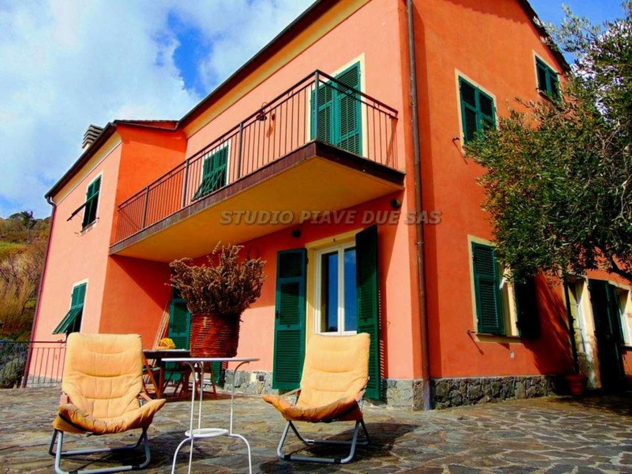 Villa in vendita a Bonassola, 10 locali, prezzo € 645.000 | CambioCasa.it