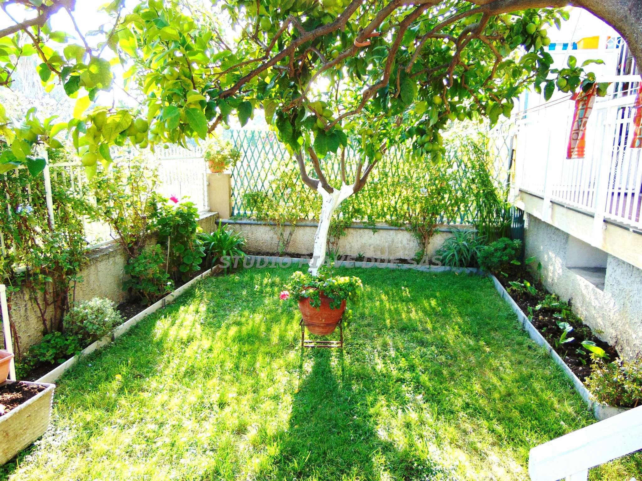 Appartamento in vendita a Albenga, 2 locali, prezzo € 185.000 | CambioCasa.it