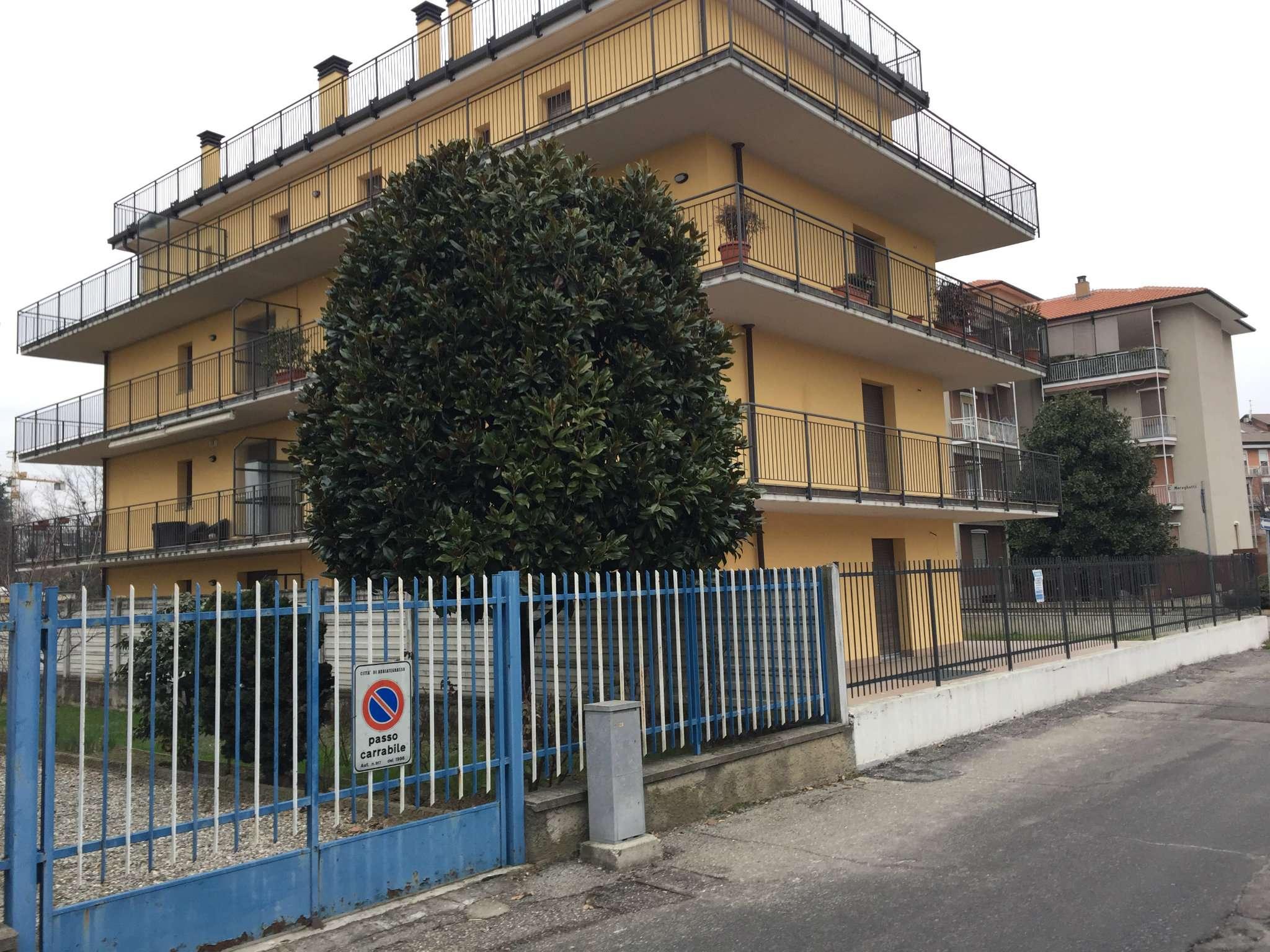 Appartamento in vendita a Abbiategrasso, 3 locali, prezzo € 248.000   CambioCasa.it