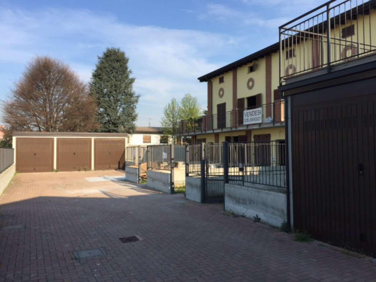 Villa a Schiera in vendita a Bereguardo, 5 locali, prezzo € 160.000 | CambioCasa.it