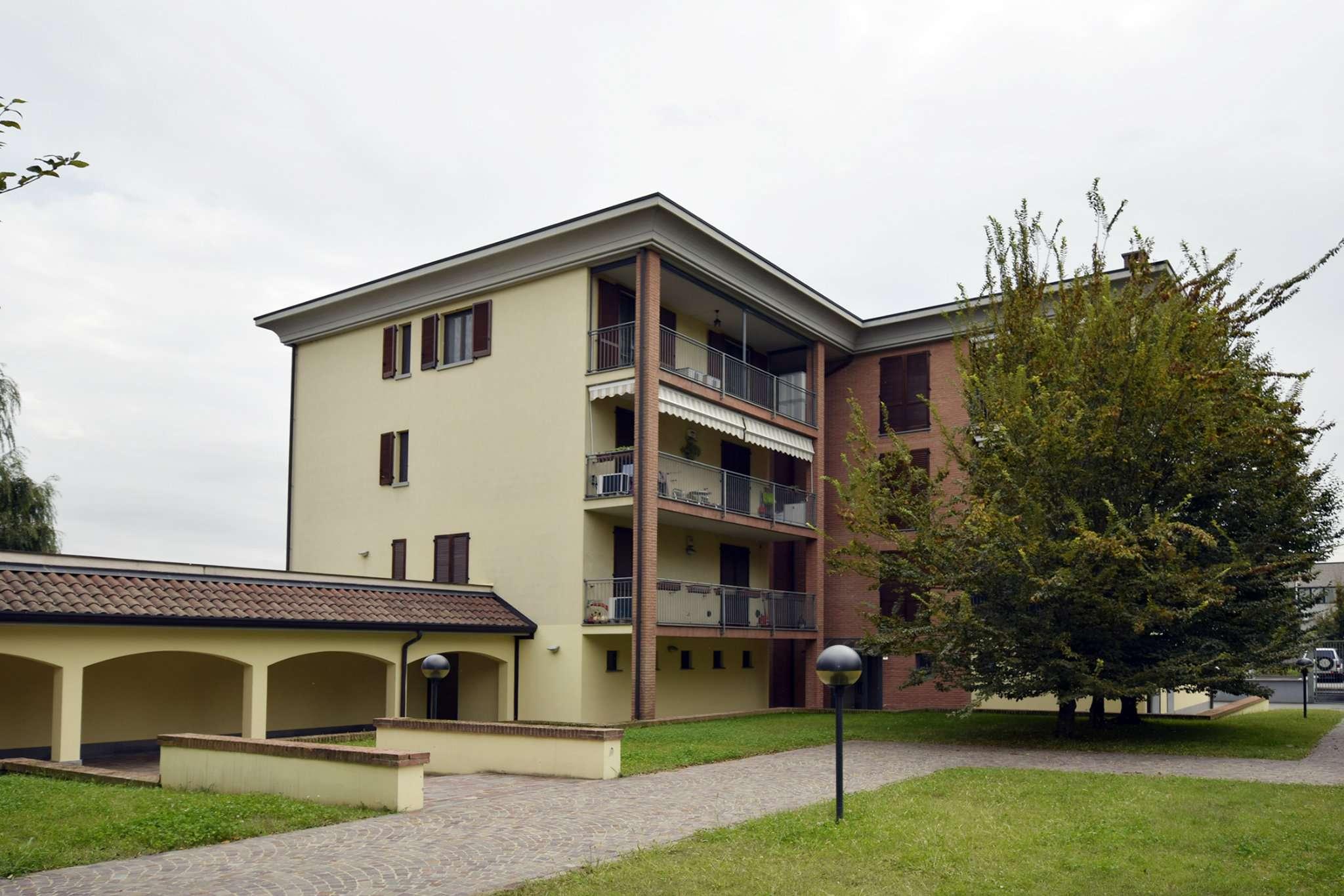 Appartamento in ottime condizioni in vendita Rif. 7860576