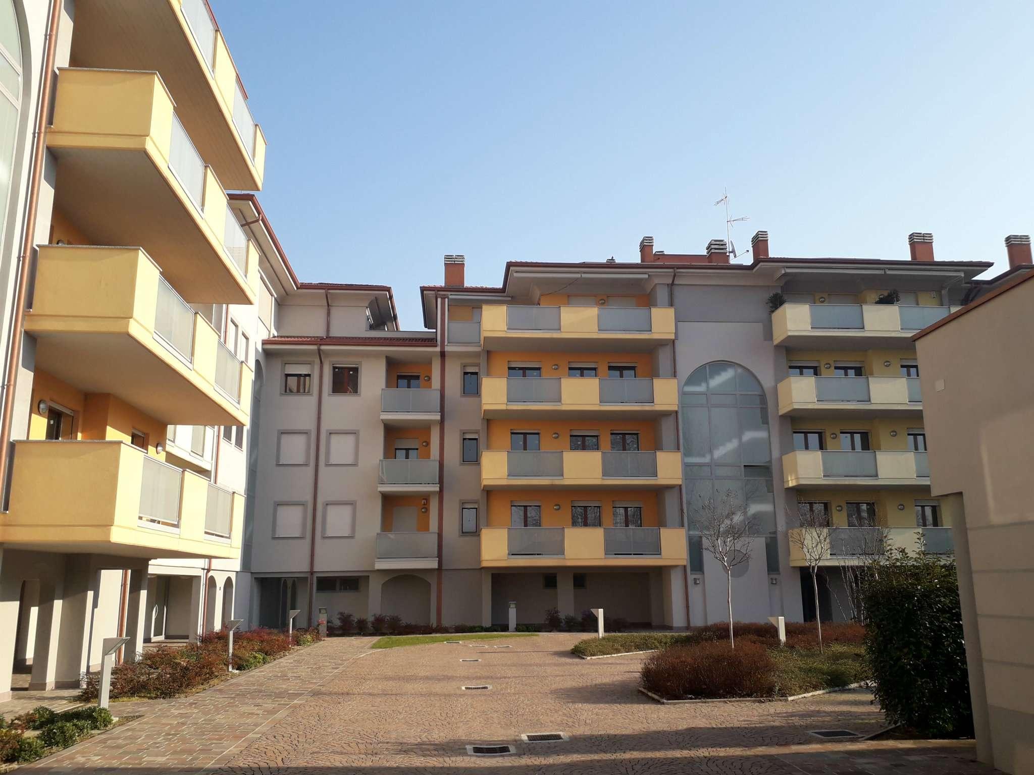 Appartamento in vendita a Basiglio, 3 locali, prezzo € 240.000 | CambioCasa.it