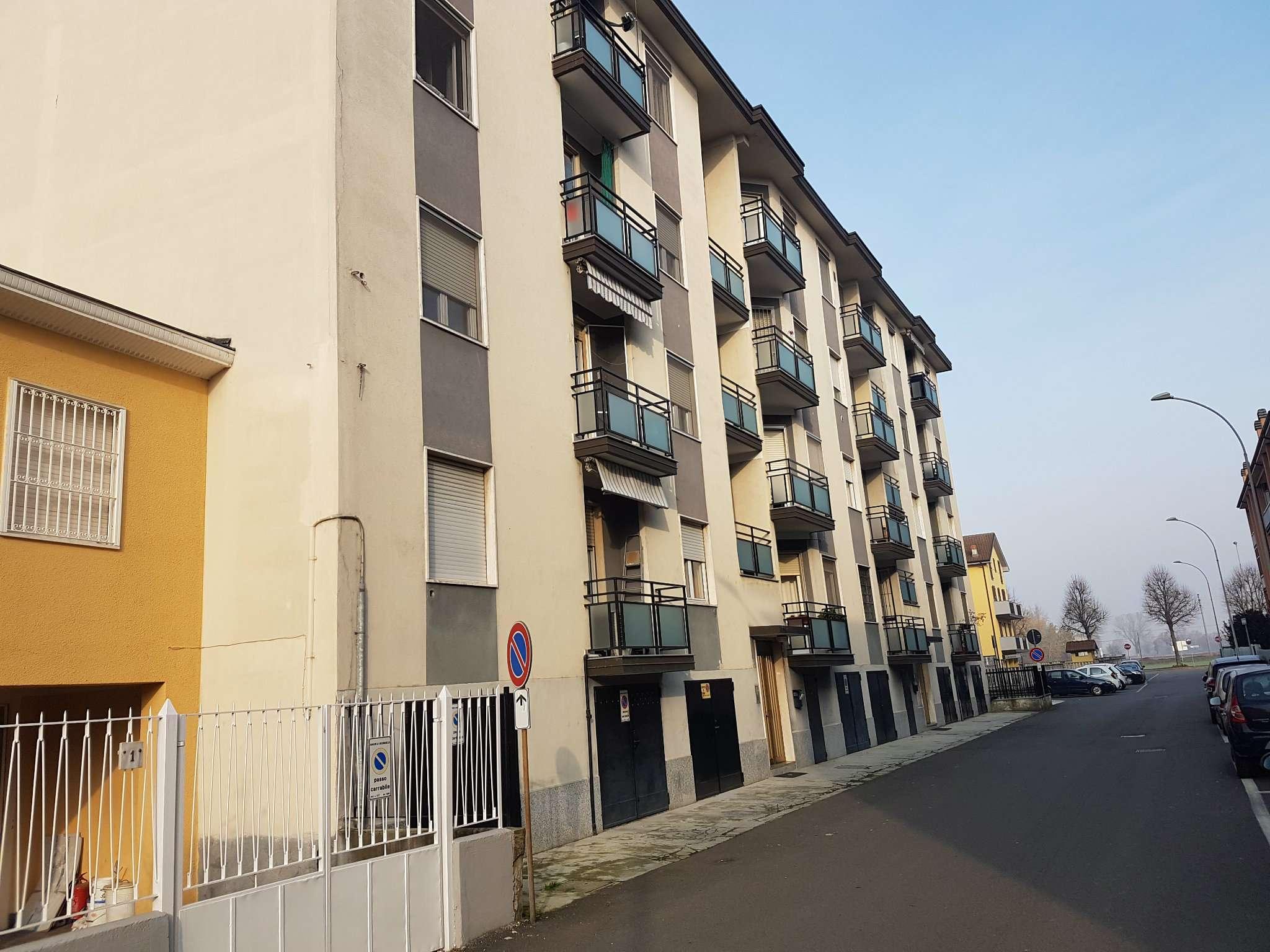 Appartamento in buone condizioni arredato in vendita Rif. 8761383