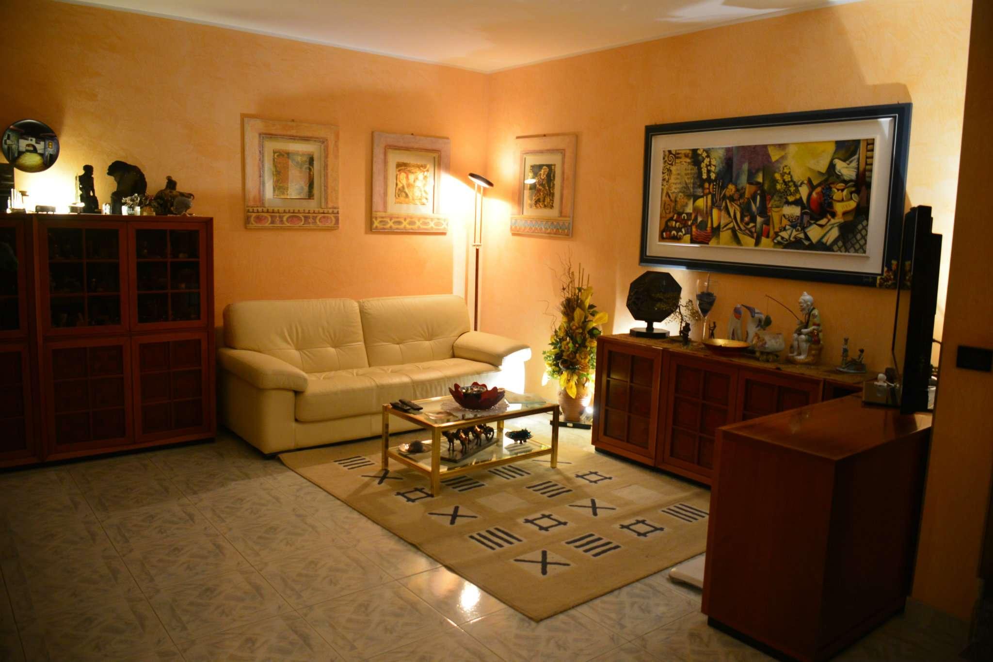 Villa in ottime condizioni parzialmente arredato in vendita Rif. 8761384