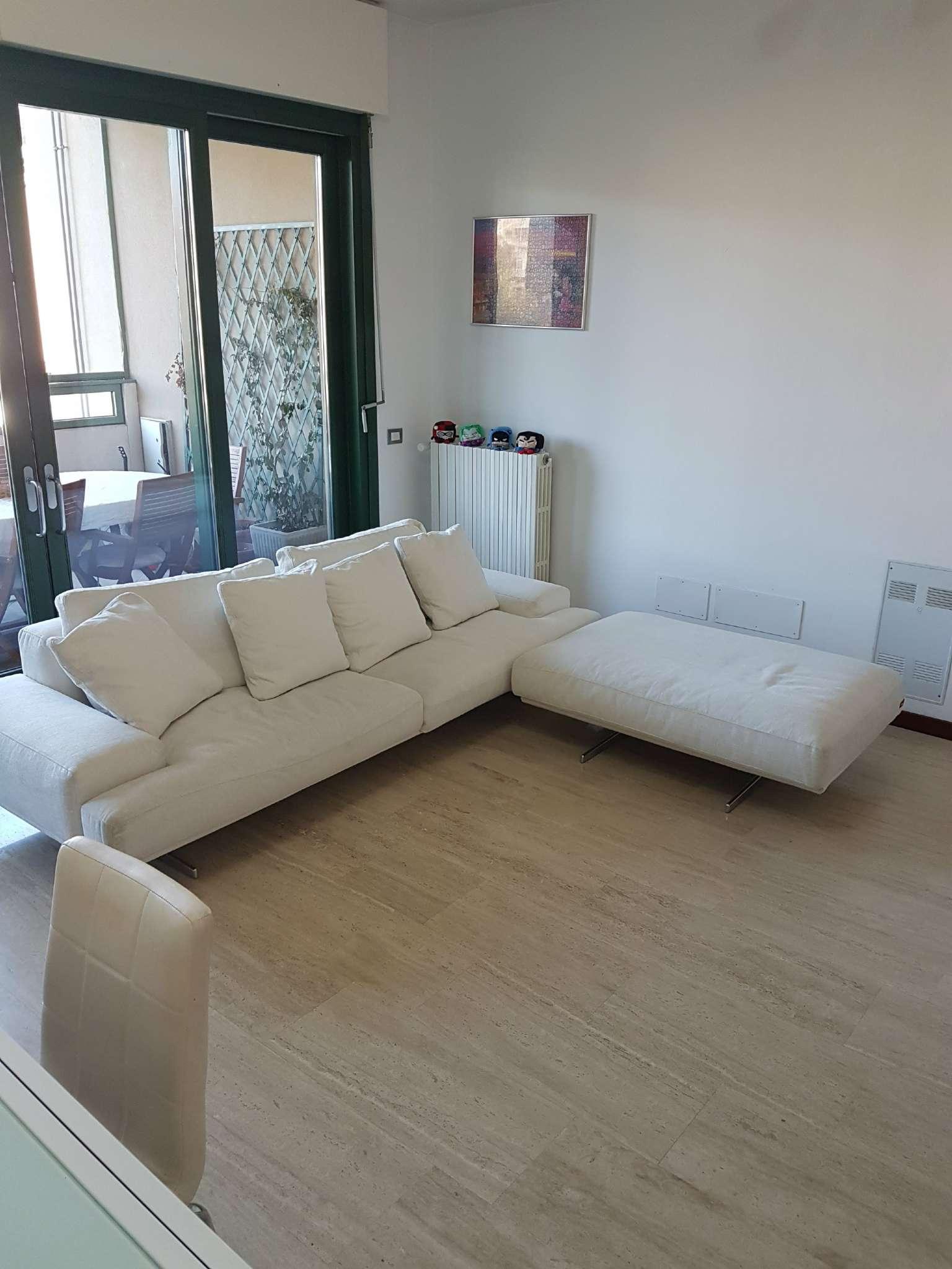Appartamento in vendita a Pieve Emanuele, 2 locali, prezzo € 140.000 | CambioCasa.it
