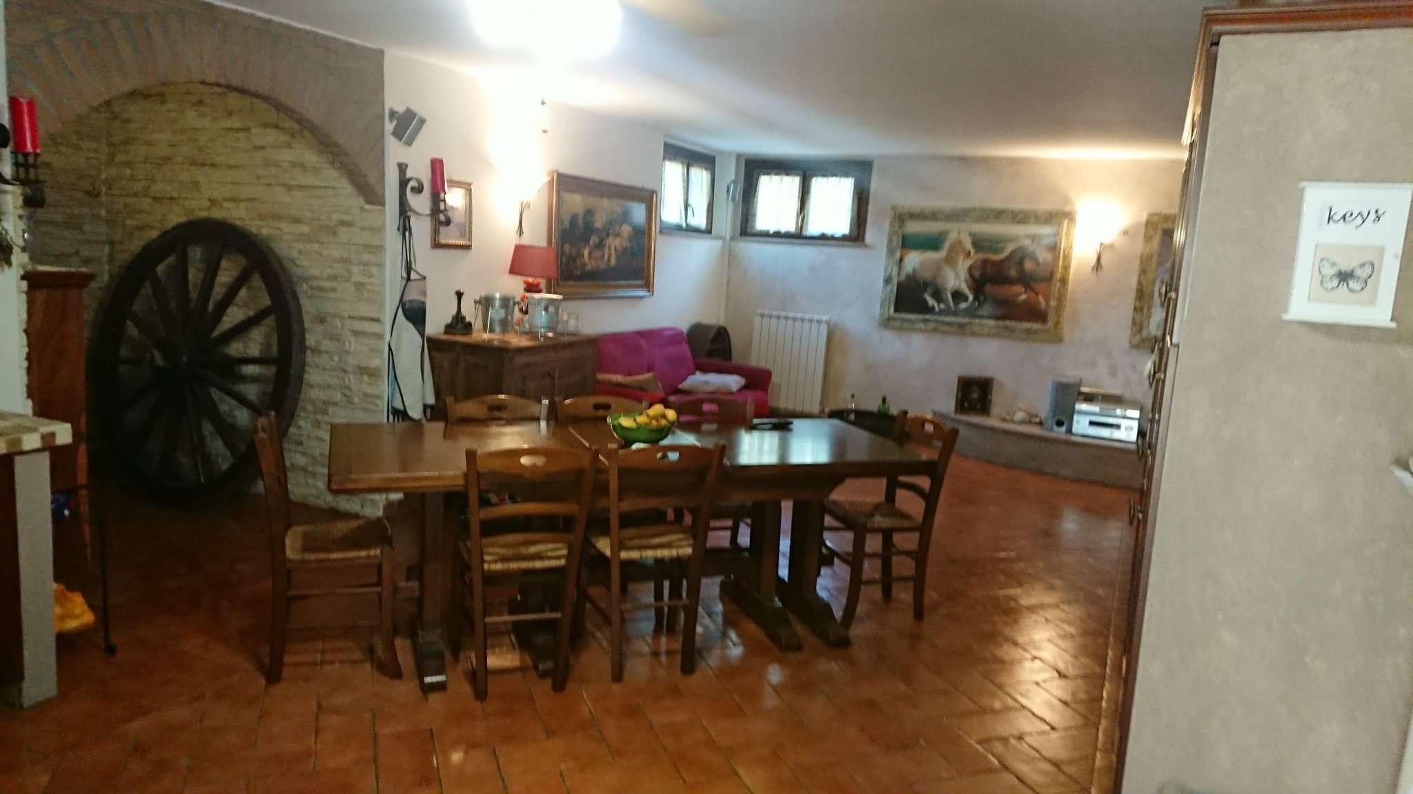 Villa in vendita a Casorate Primo, 5 locali, prezzo € 350.000 | CambioCasa.it