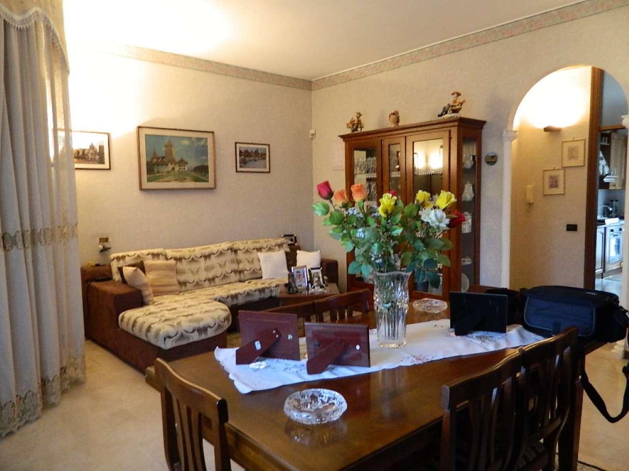 Appartamento in vendita a Rozzano, 3 locali, prezzo € 240.000 | CambioCasa.it