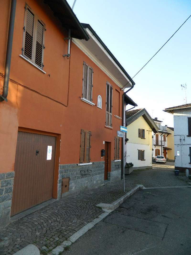 Palazzo / Stabile in vendita a Casorate Primo, 4 locali, prezzo € 135.000 | CambioCasa.it