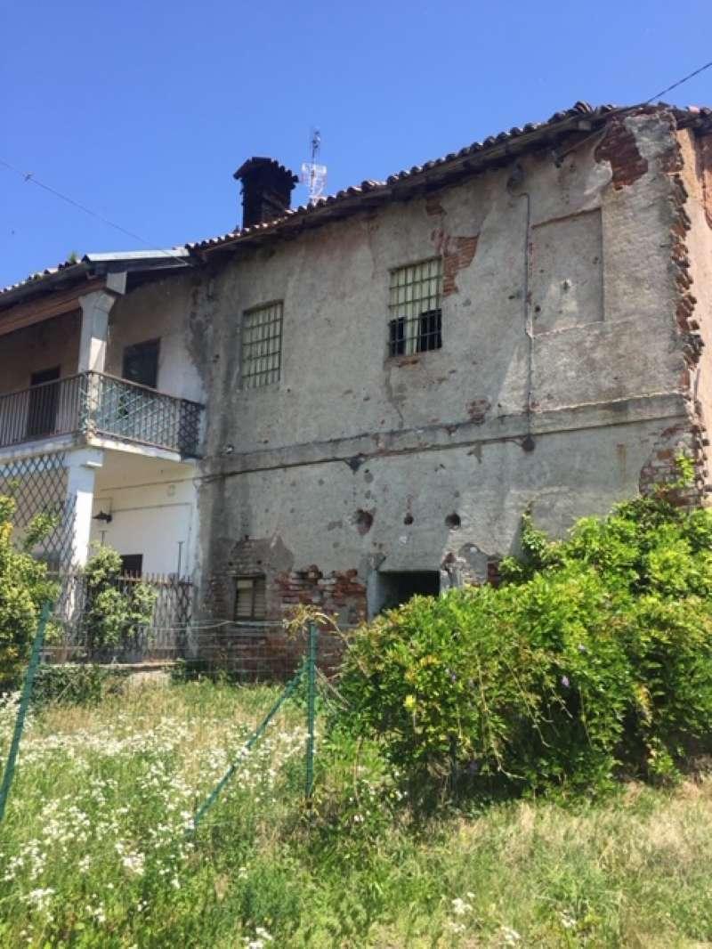 Rustico / Casale in vendita a Zibido San Giacomo, 3 locali, prezzo € 89.000 | CambioCasa.it