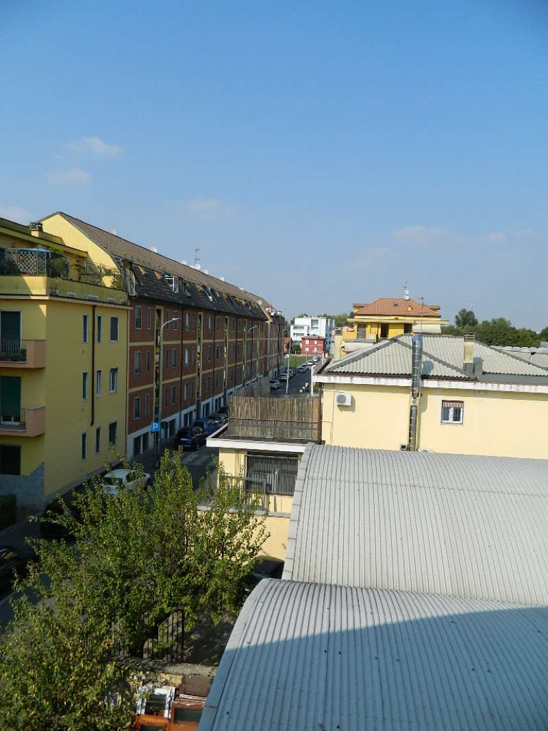 Appartamento in vendita a Rozzano, 2 locali, prezzo € 79.000 | CambioCasa.it