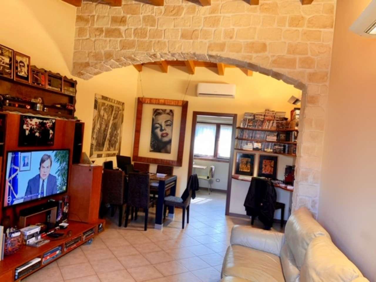 Villa a Schiera in vendita a Certosa di Pavia, 3 locali, prezzo € 145.000 | PortaleAgenzieImmobiliari.it