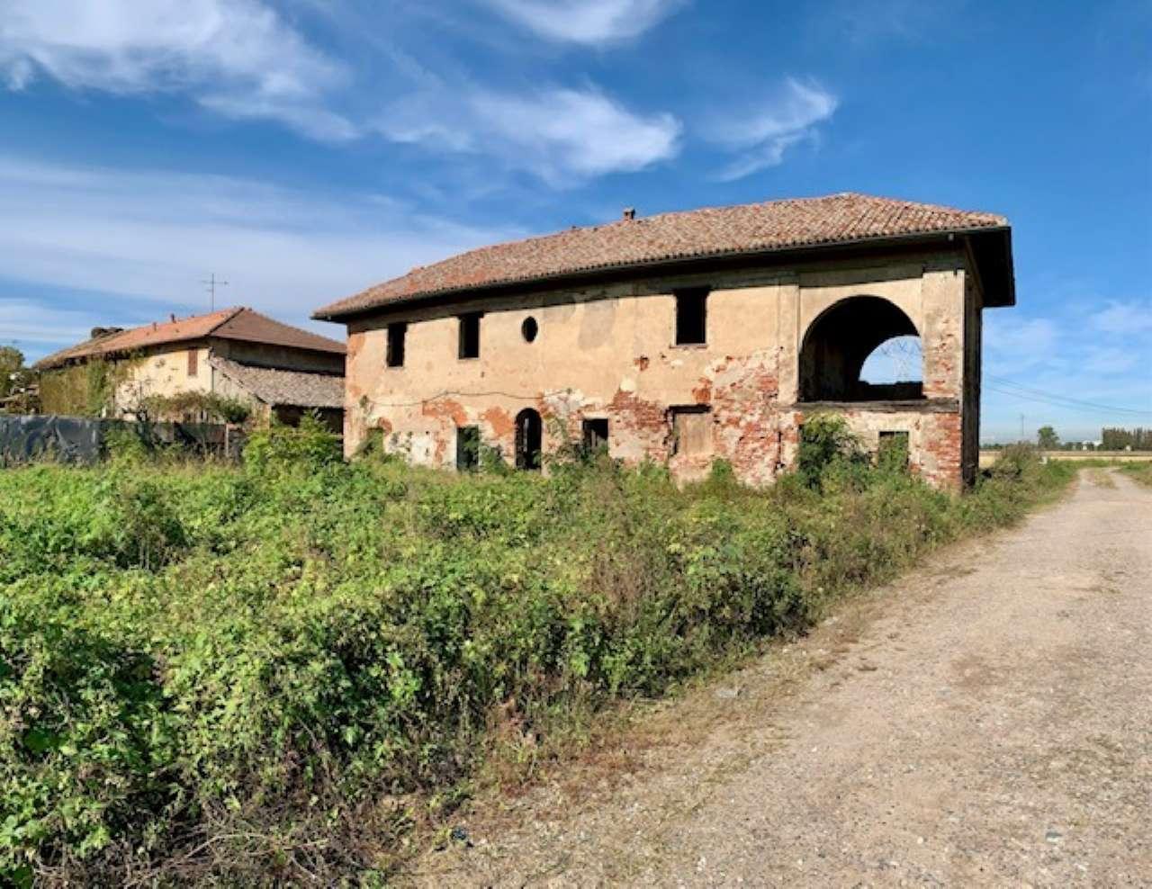 Villa in vendita a Zibido San Giacomo, 5 locali, prezzo € 170.000 | CambioCasa.it
