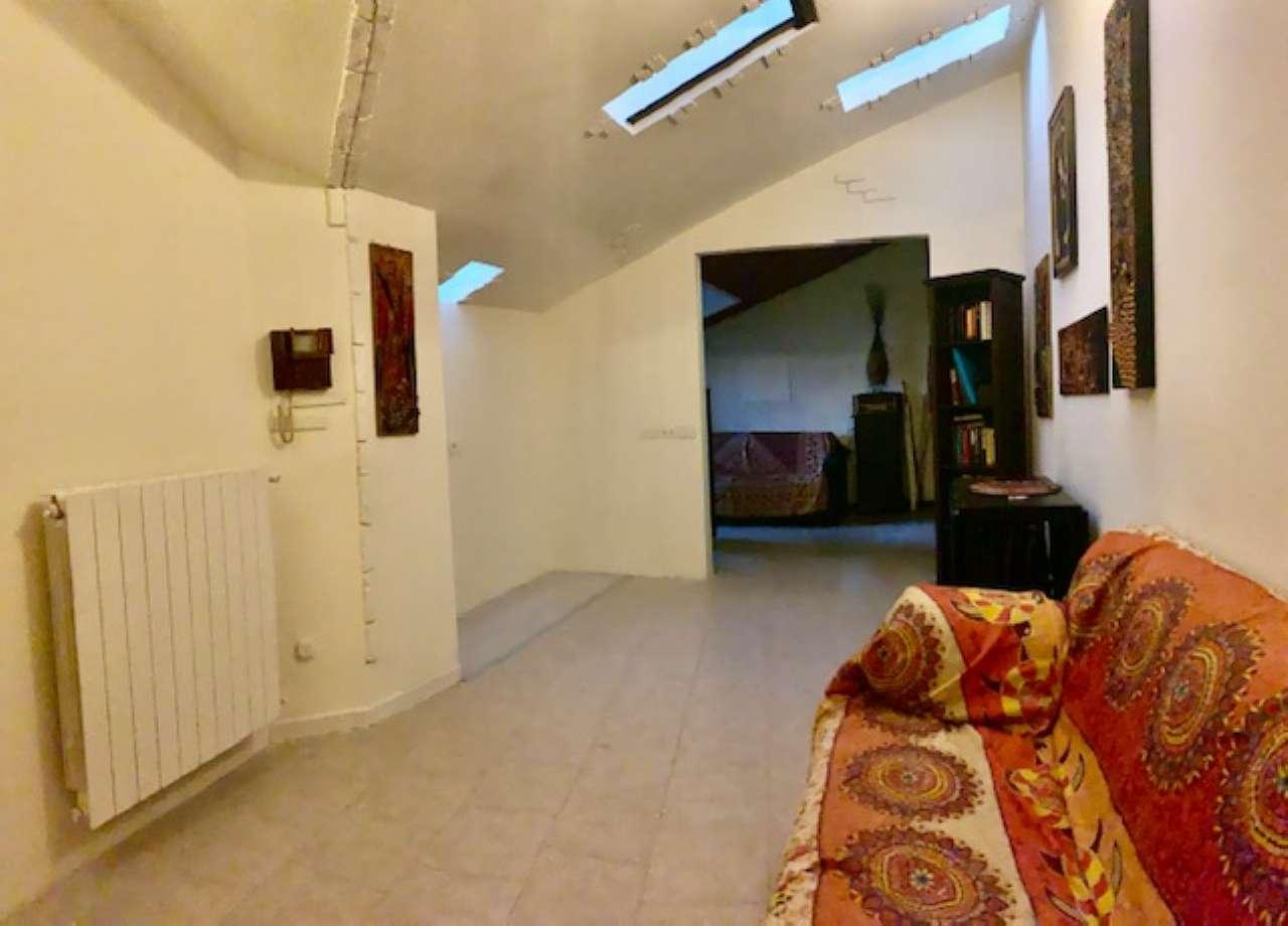Appartamento in vendita a Rozzano, 2 locali, prezzo € 95.000 | CambioCasa.it