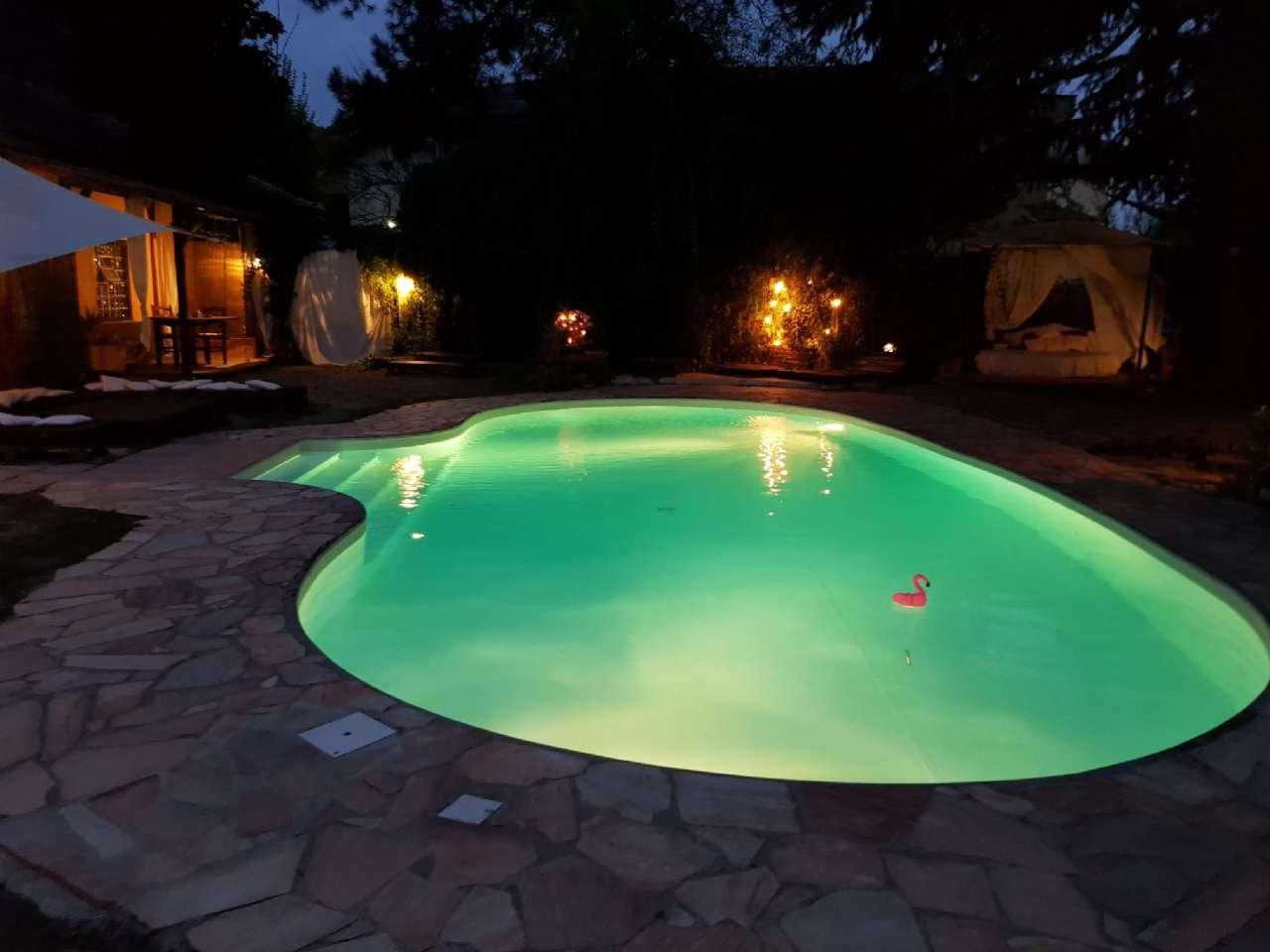 Villa in vendita a Zibido San Giacomo, 7 locali, Trattative riservate | CambioCasa.it