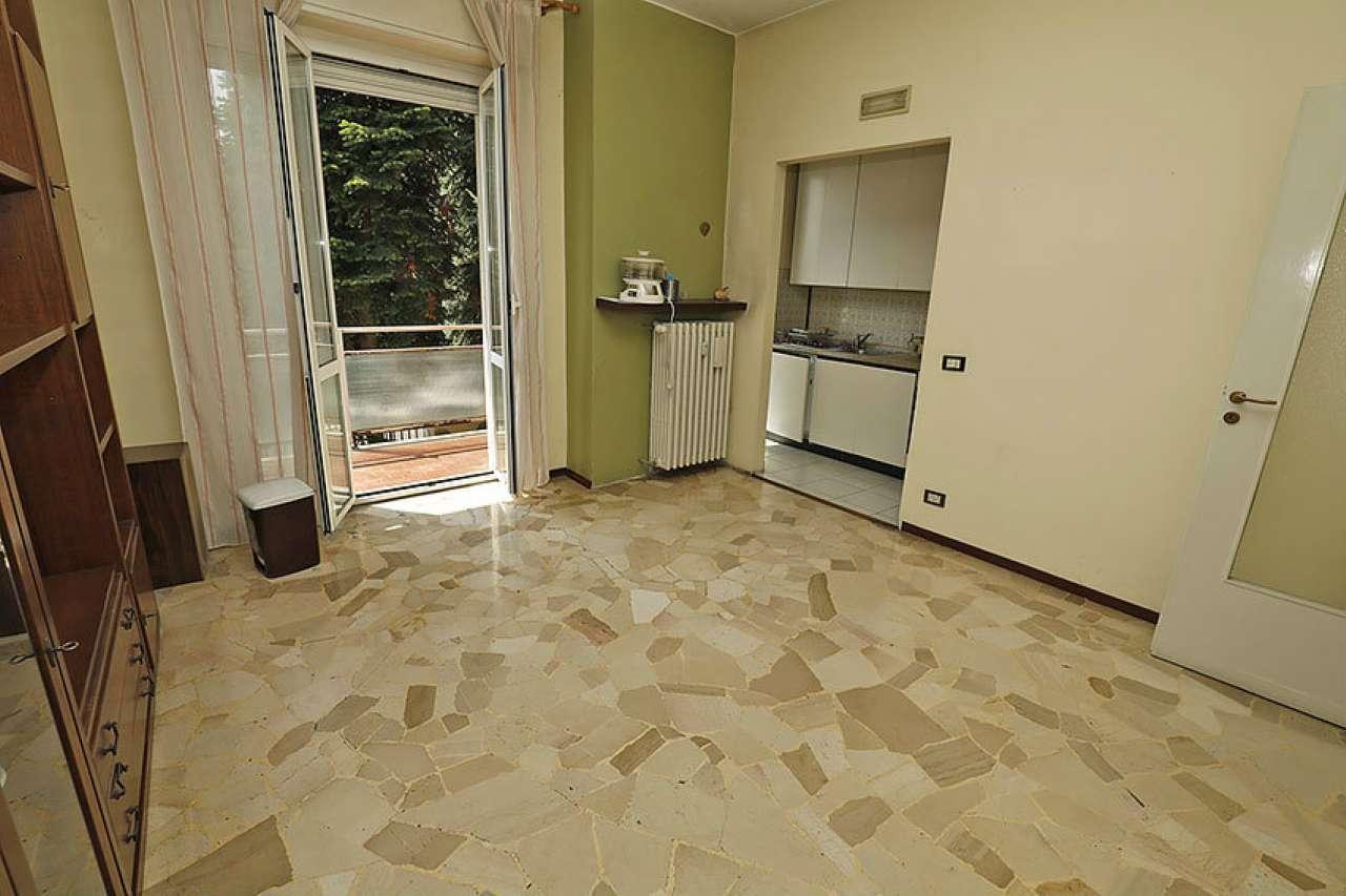 Appartamento in buone condizioni in vendita Rif. 7933776