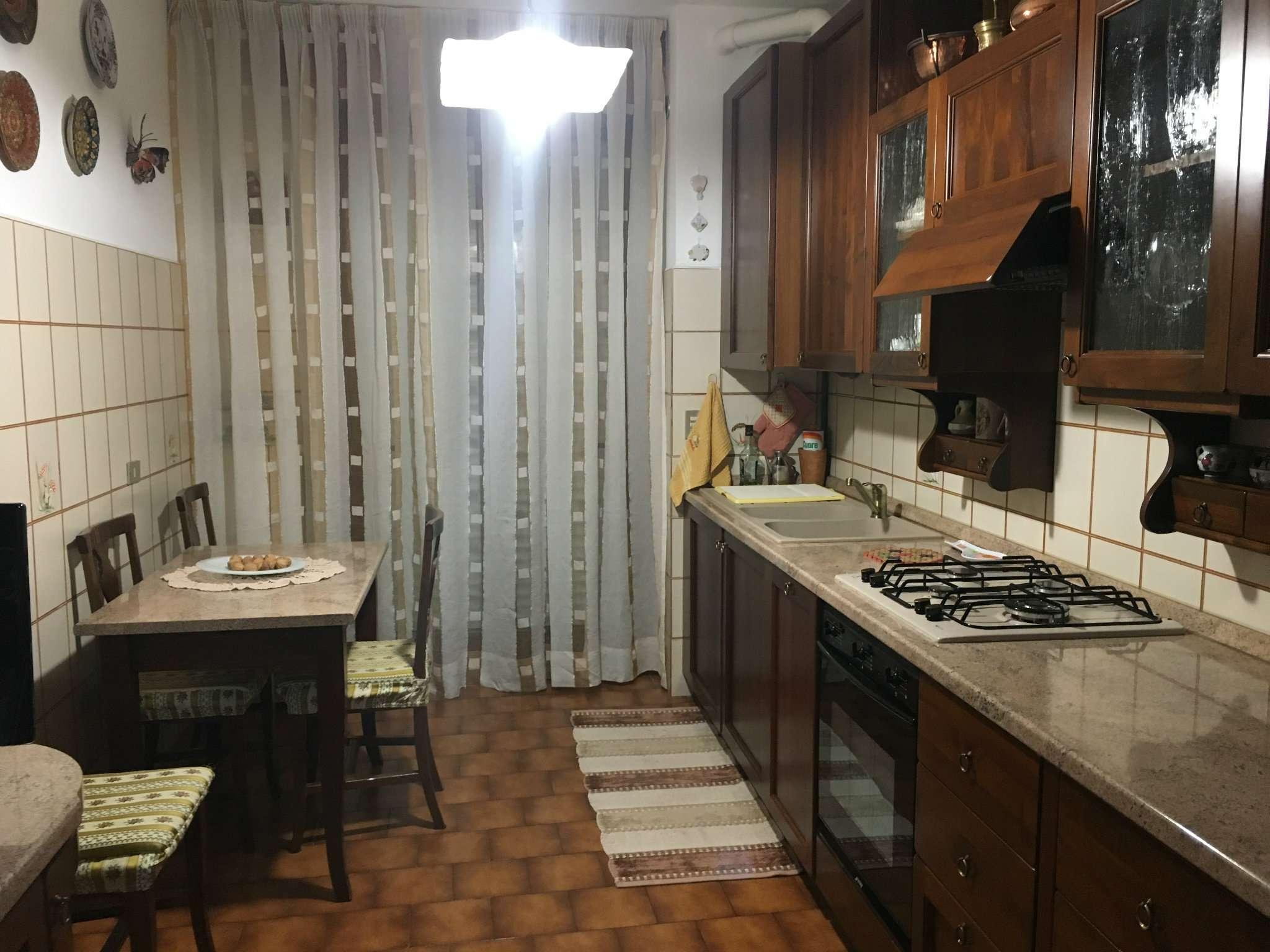 Appartamento in affitto a Mediglia, 3 locali, prezzo € 850 | CambioCasa.it