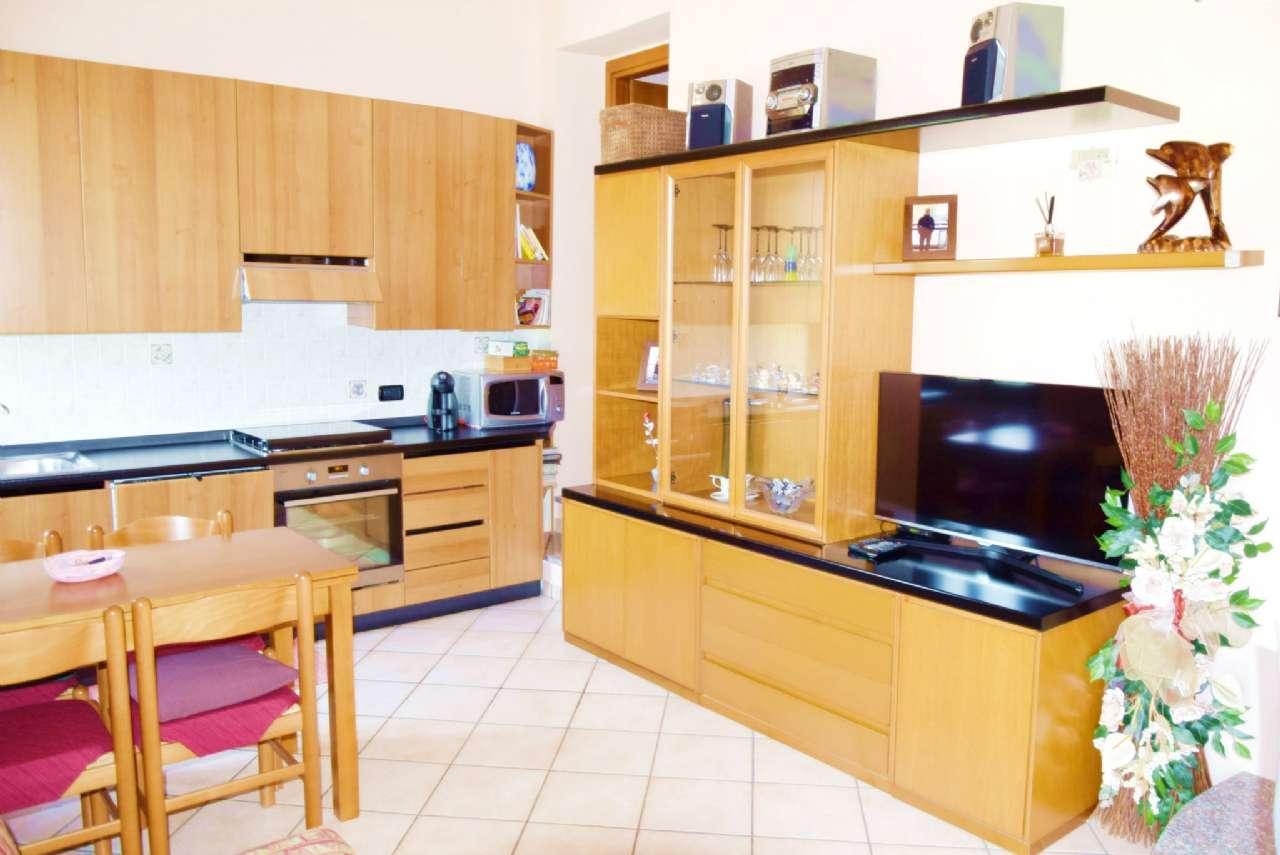 Appartamento ristrutturato in vendita Rif. 7350043