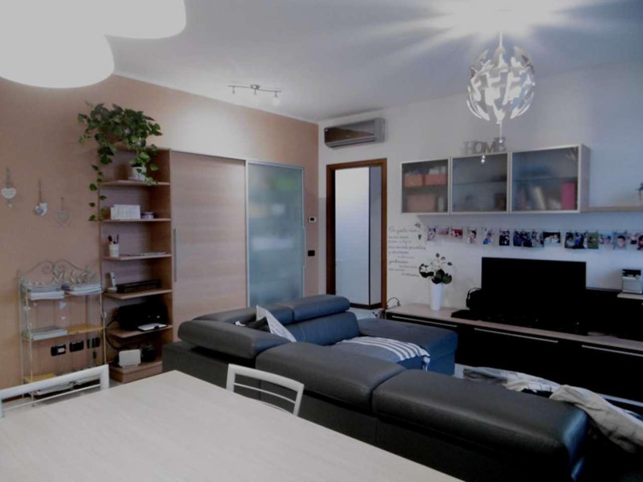 Appartamento in ottime condizioni in vendita Rif. 8818235