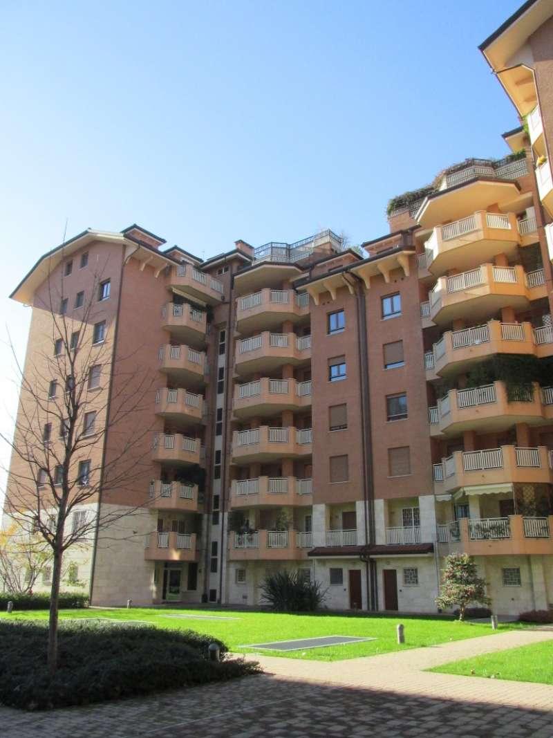 Appartamento in ottime condizioni parzialmente arredato in affitto Rif. 6011446