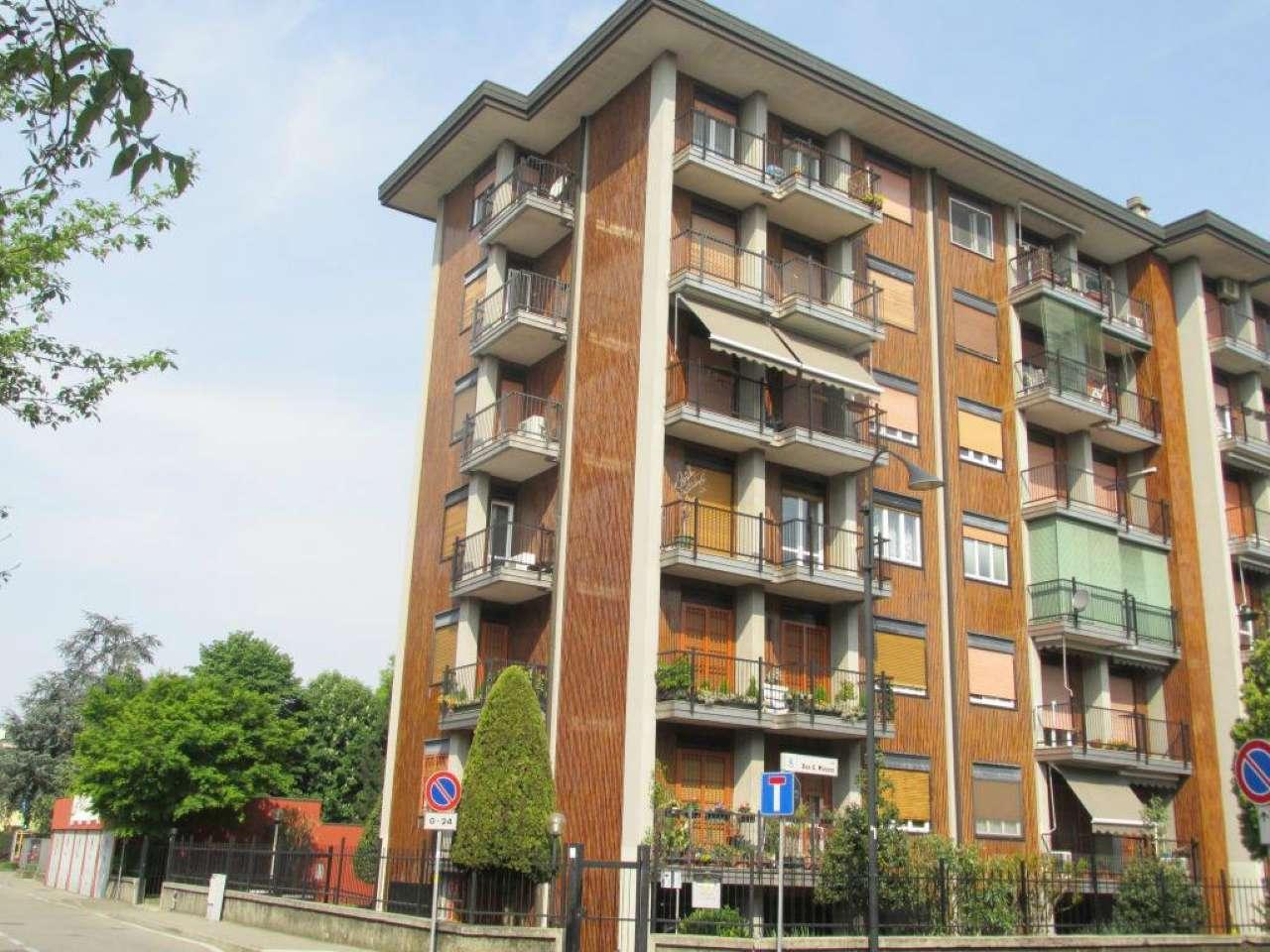 Appartamento ristrutturato parzialmente arredato in affitto Rif. 6710817