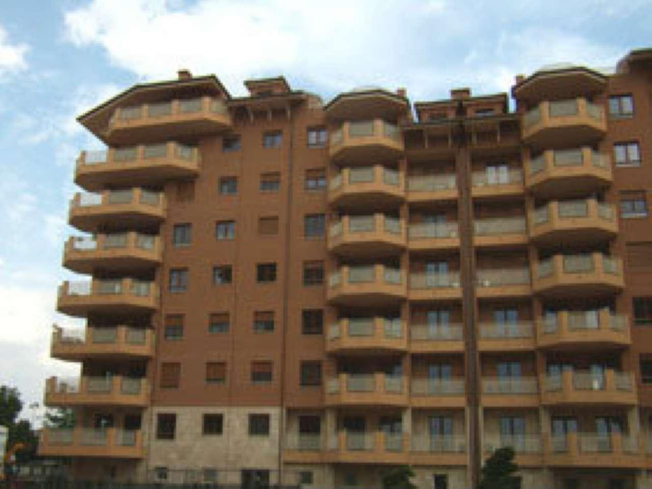 Appartamento ristrutturato parzialmente arredato in affitto Rif. 7349211