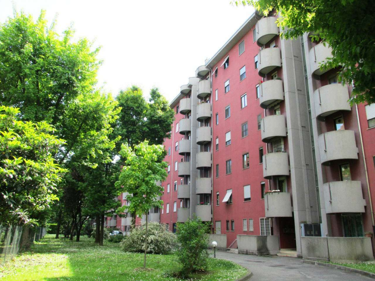 Appartamento in buone condizioni arredato in affitto Rif. 7784042