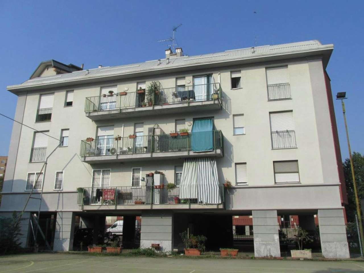 Appartamento ristrutturato parzialmente arredato in affitto Rif. 8563555