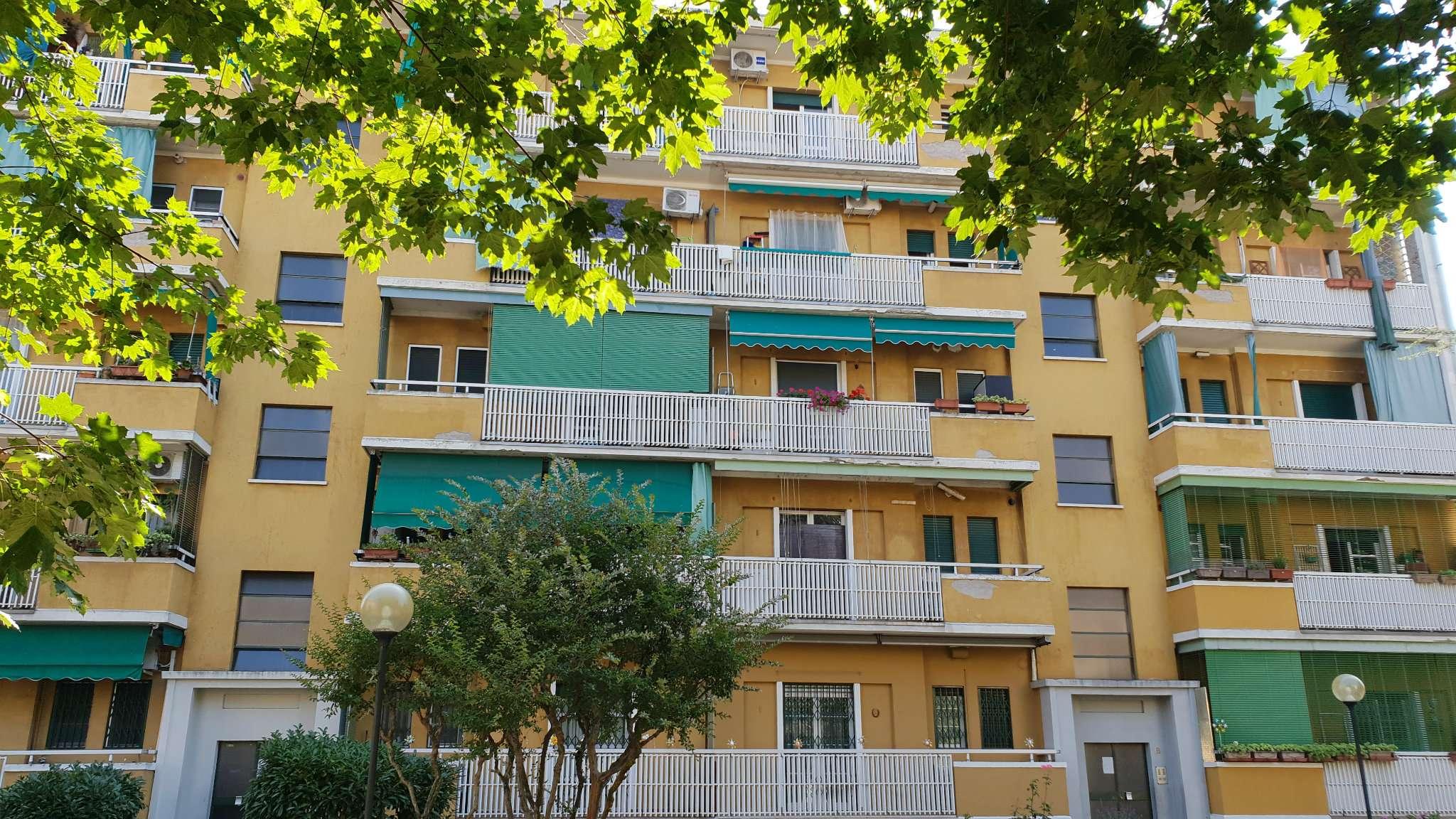 Appartamento ristrutturato arredato in vendita Rif. 7085889