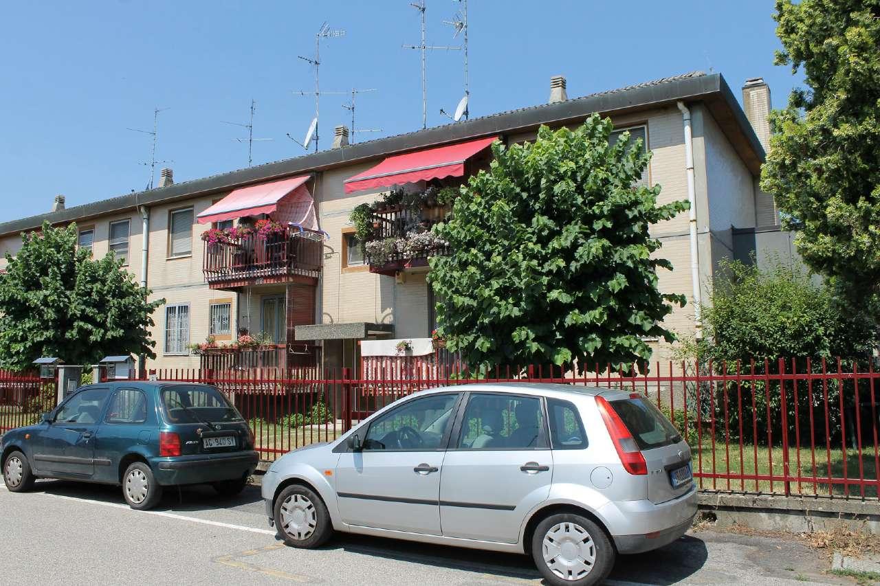 Appartamento in buone condizioni in vendita Rif. 7461584