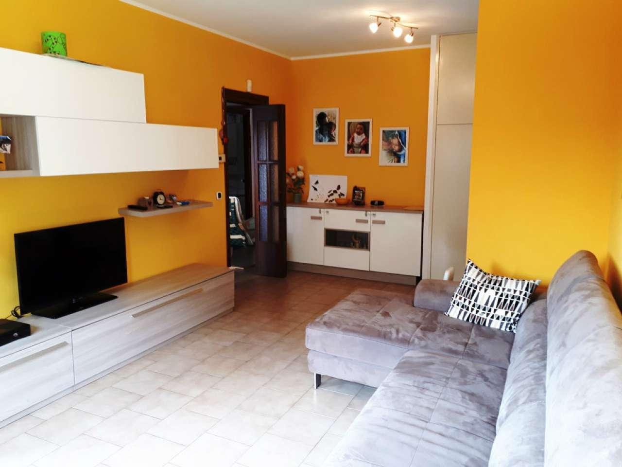 Appartamento in buone condizioni in vendita Rif. 7771146