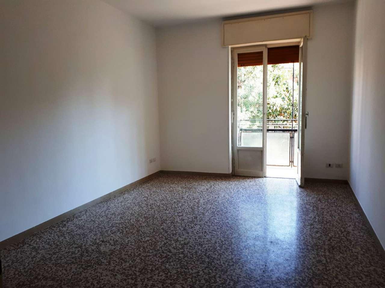 Appartamento in condizioni mediocri in affitto Rif. 8663981