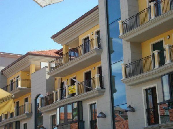 Foto 1 di Trilocale Ciriè