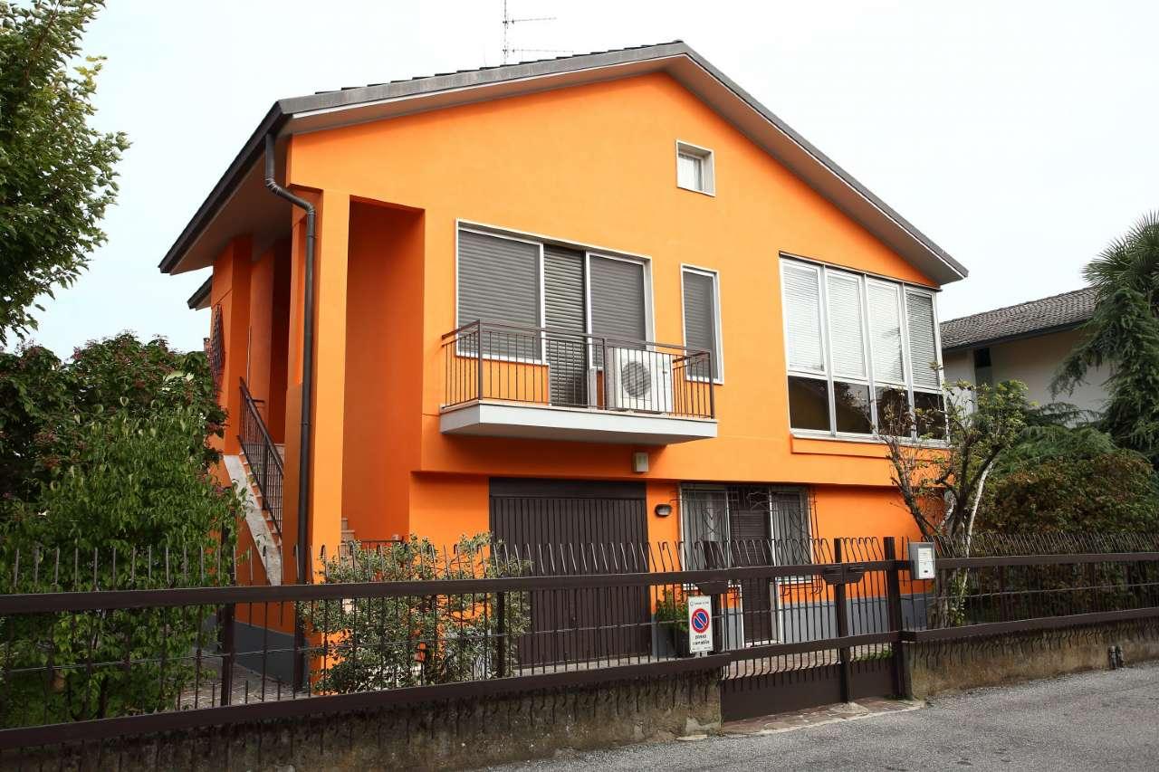 Villa in vendita a Lodi, San Bernardo